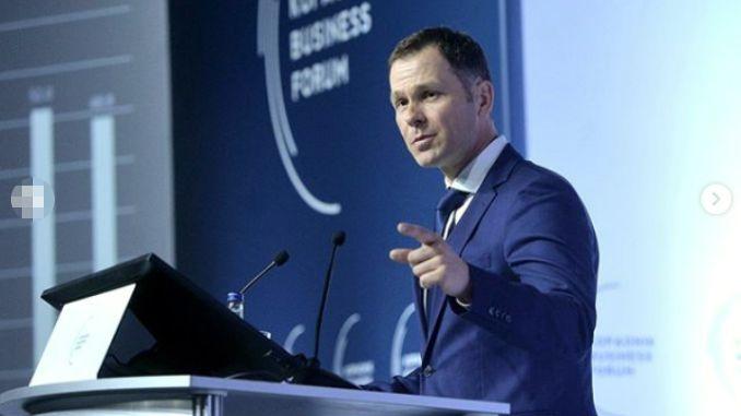 Pitanje za Malog Slinišu: Da li je tačno da smo se juče zadužili za milijardu evra?