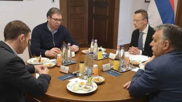 Krivična prijava protiv Vučića i Malog zbog izbegavanja samoizolacije