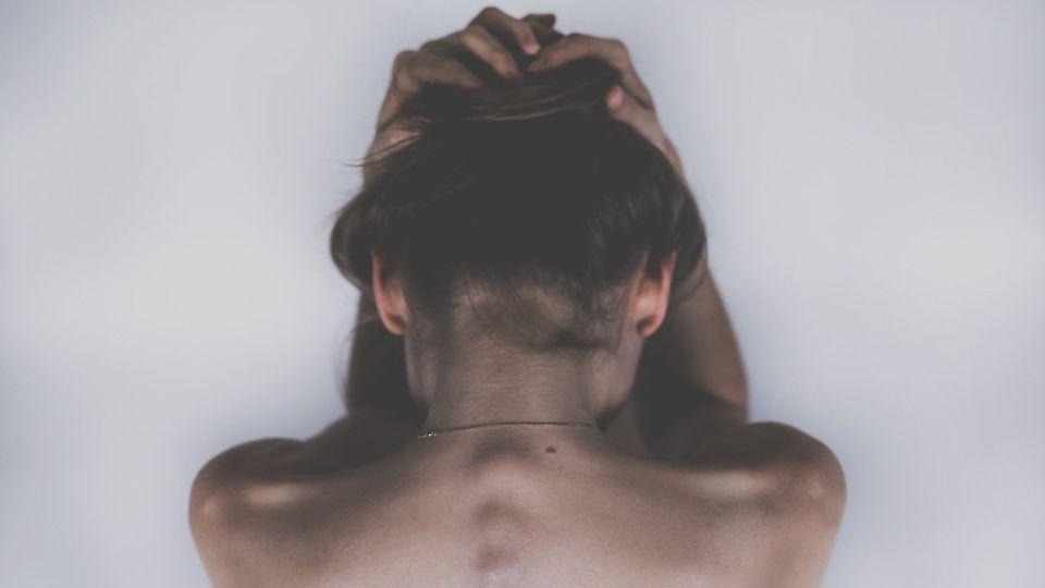 Nova studija: Korona uzrokuje i neurološke probleme – glavobolju i vrtoglavicu