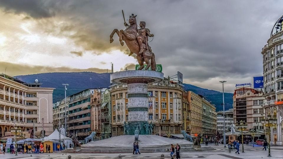 Fajzer će Severnoj Makedoniji isporučiti 800.000 vakcina