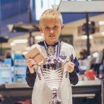 Četrnaestogodišnjak oborio sve rekorde u FIFI i potpisao prvi profesionalni ugovor