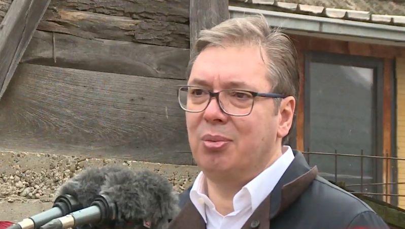 """Vučić o prisluškivanju Vučića: """"Nisu svi zaslužili značku koju imaju"""""""