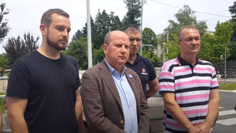 Oslobođenje ispred ambasade SAD: Ambasador Godfri nepoželjan za srpski narod