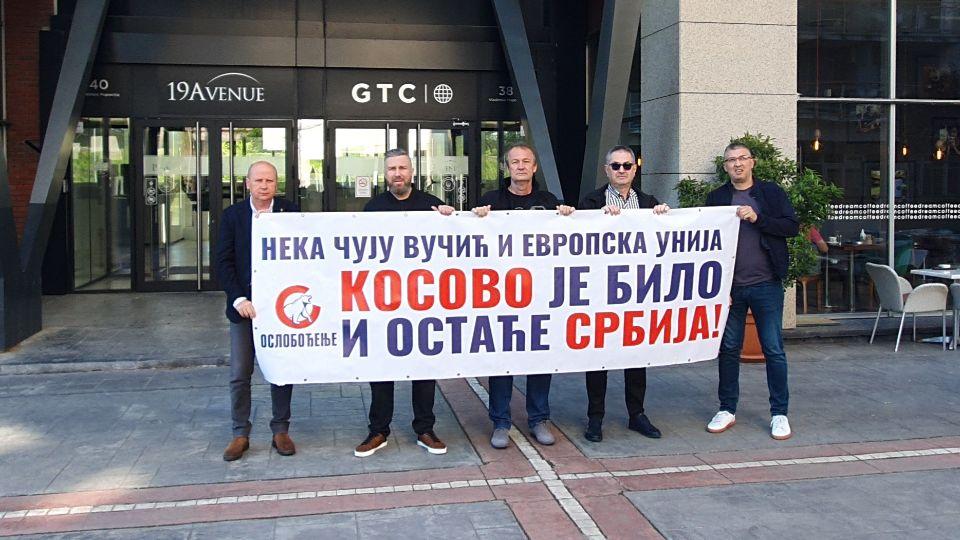 Pokret Oslobođenje povodom Dana pobede: Kosovo je Srbija, Vučić može da raspolaže svojom kućom u Čipuljićima, Kosovo i Metohija pripadaju srpskom narodu!