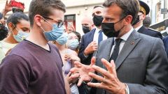 Građanin ošamario predsednika Francuske
