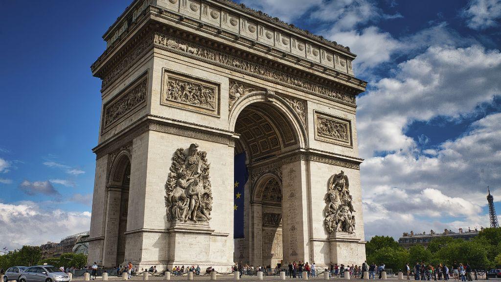 U Francuskoj protesti zbog novih ograničenja protiv korona virusa