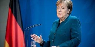 Angela Merkel criticó que se aisle a los mayores