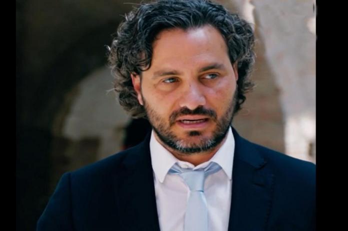 Santiago Cafiero con superpoderes