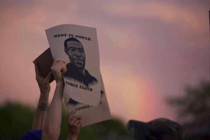 George Floyd sufrió un asesinato racial