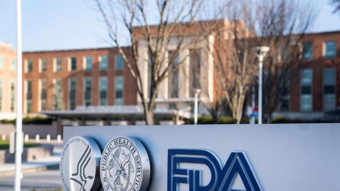 La FDA avanzará con Pfizer
