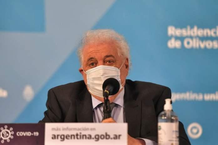 Ginés González García y los problemas con los aviones