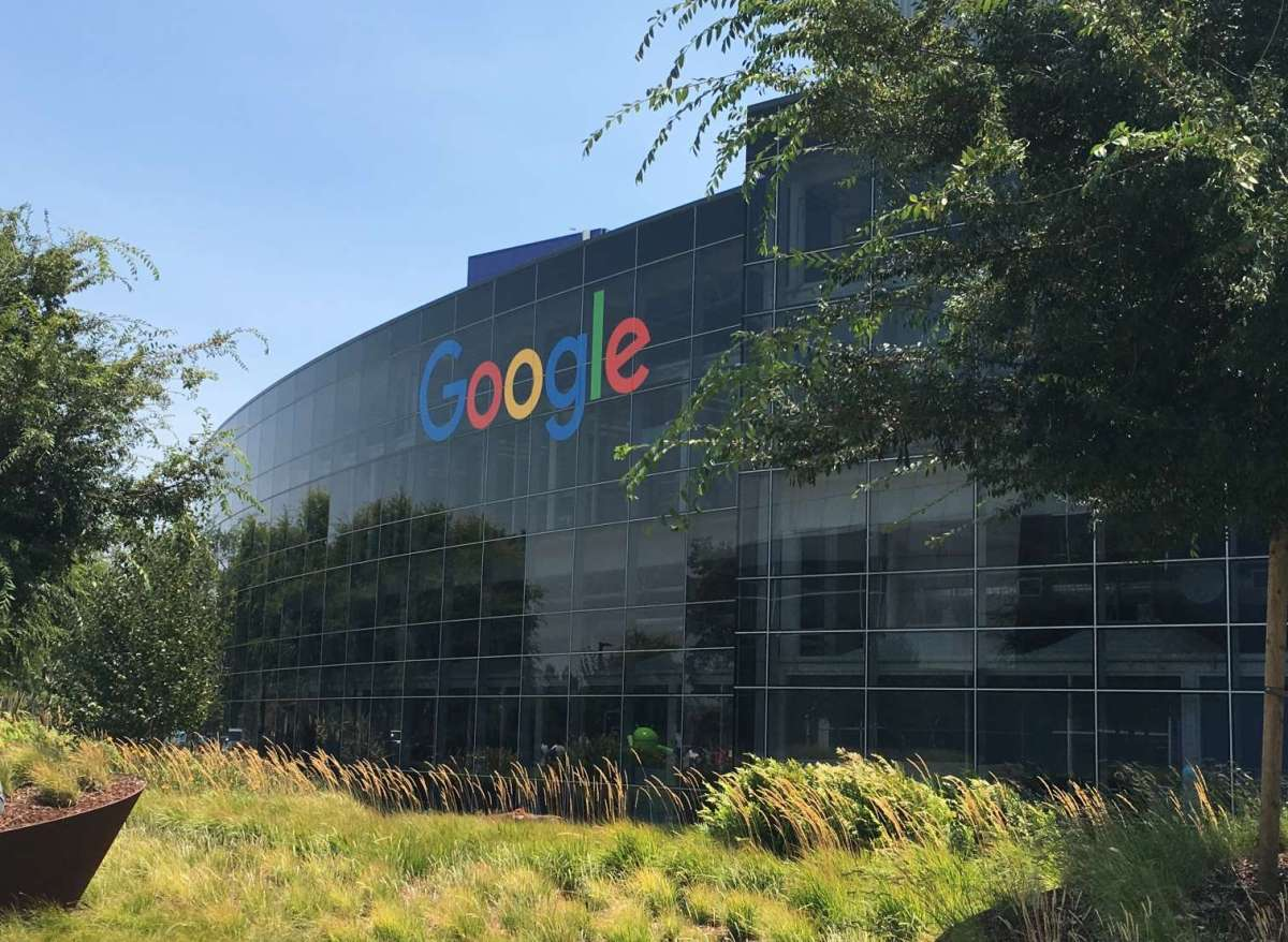 States Sue Google, Trump Sues Social Media Giants, Biden Order on Competition