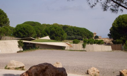 Disappearing Act: Empúries Visitor Reception Centre by Fuses-Viader Arquitectes