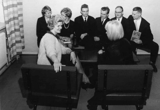 Kuva: Jyväskylän normaalikoulu. Opetusharjoittelijoita vuodelta 1963.