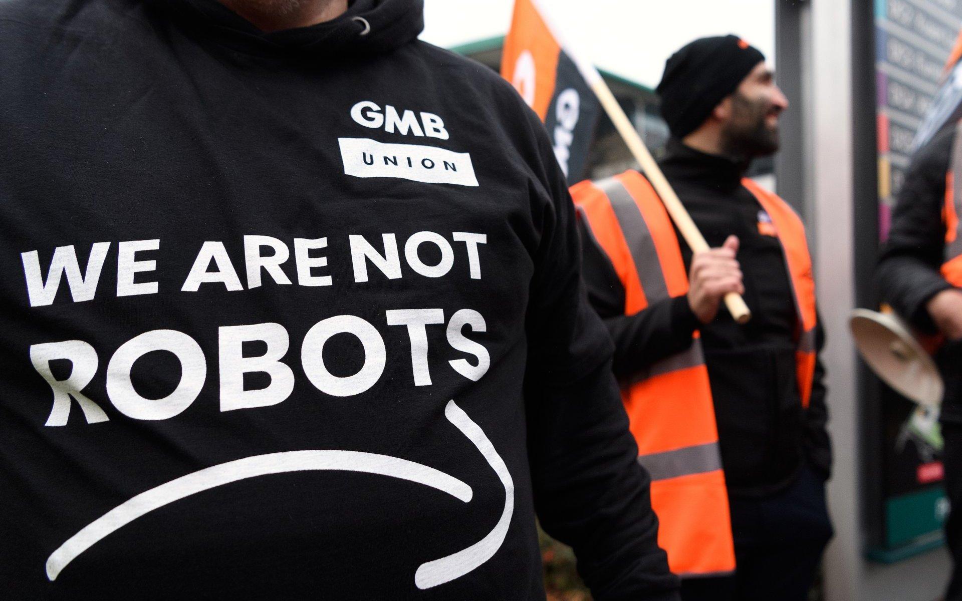 """Робітники Amazon страйкують у """"Чорну п'ятницю"""""""