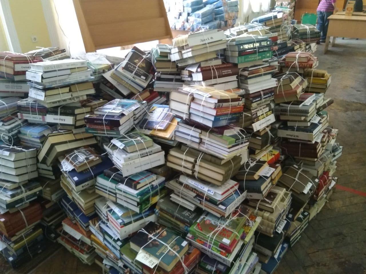 В Києві виселяють Центральну районну бібліотеку імені Є. Плужника