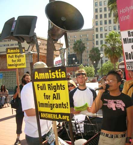 anti-Minutemen demo, Hollywood 07/08/06