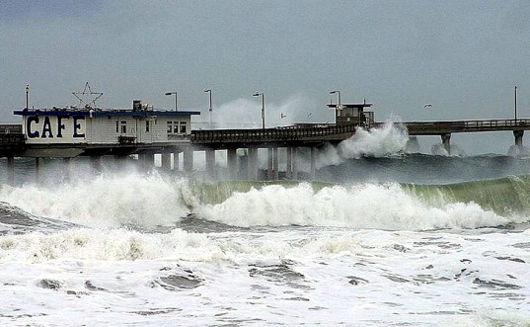 Big waves against pier