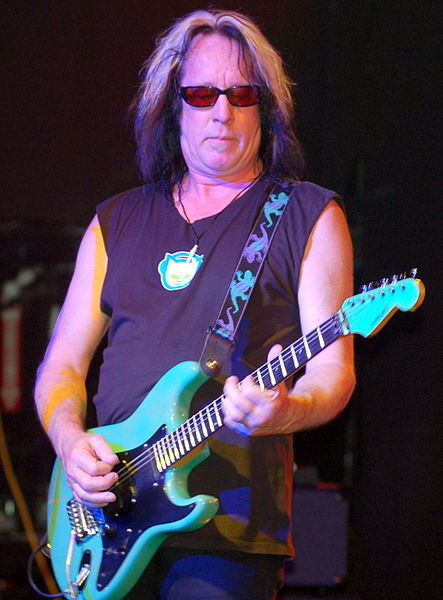 Todd_Rundgren_at_Revolution_Live