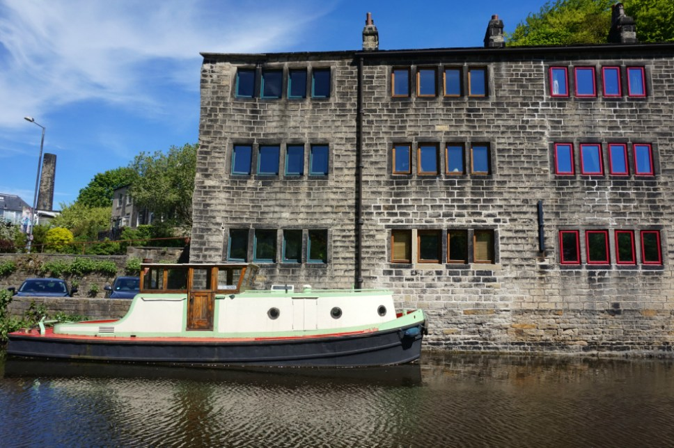 Hebden_Bridge_Canal