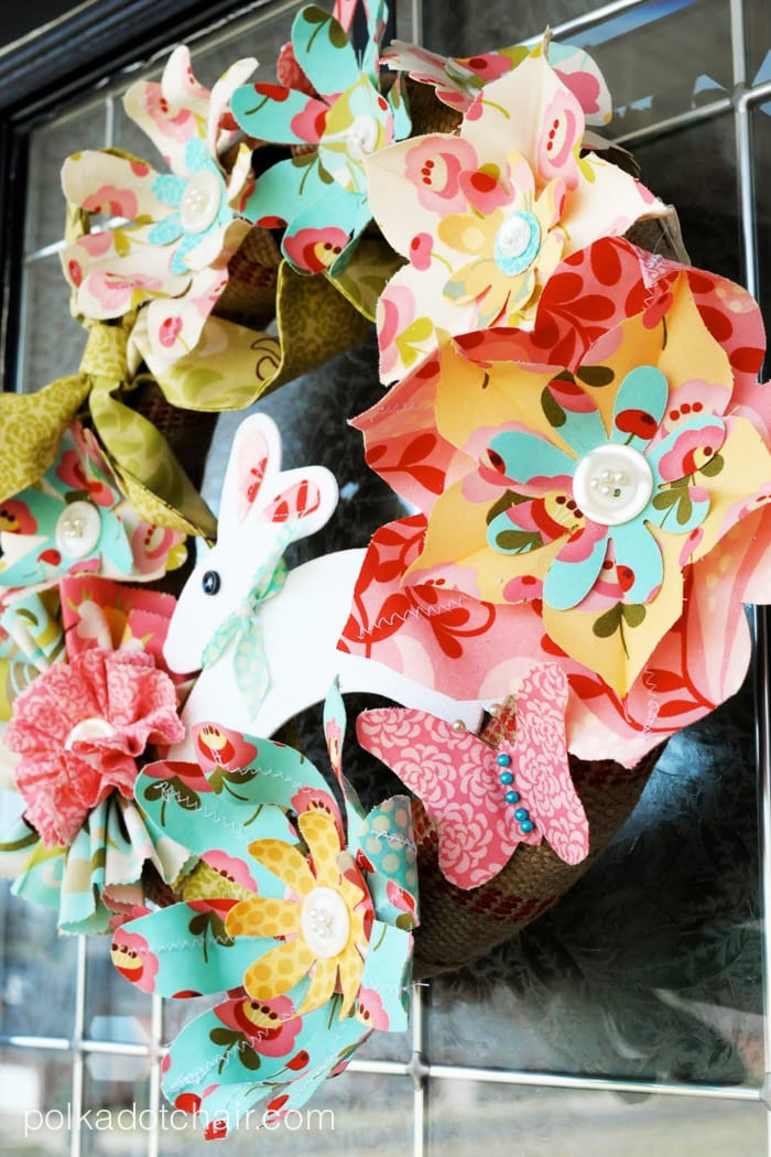 Cute DIY Wreath for Easter made with fabric flowers