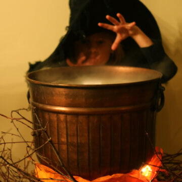 DIY Halloween Cauldron that Lights Up