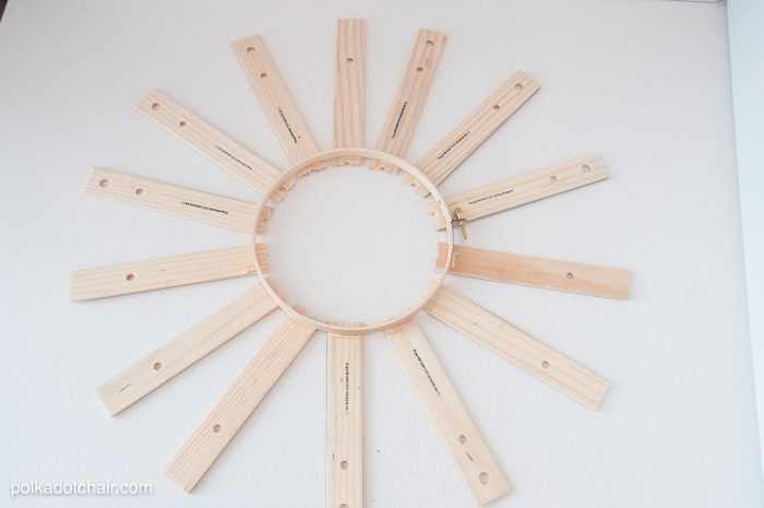 Back to School Craft Idea or Teacher Appreciation gift, a personalized DIY Ruler Wreath!