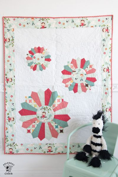 Free tutorial for a Dresden Baby Quilt, so cute and simple!