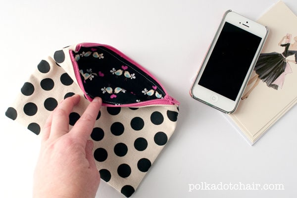 DIY Polka Dot Zip Pouch
