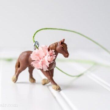 DIY Horse Necklace