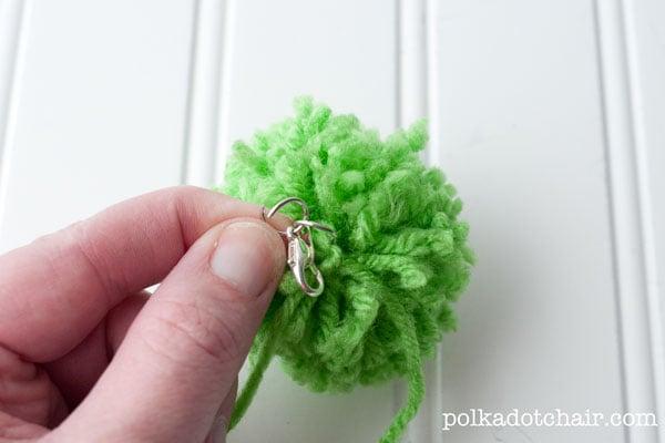 How to make pom pom zipper pulls