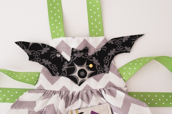 halloween-apron-for-american-girl