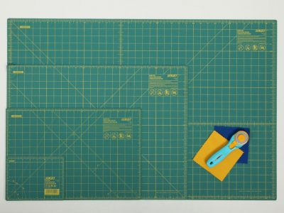 9471_olfa-cutting-mats-with-grid-1403032453312