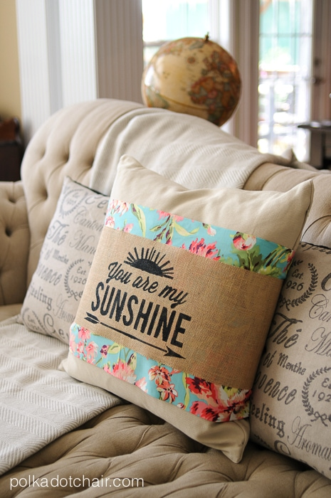 Summer Pillow Sleeves by Melissa Mortenson of polkadotchair.com