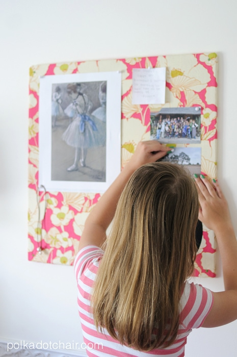 DIY Monogrammed Memo Board made from an acoustic ceiling tile, super easy!