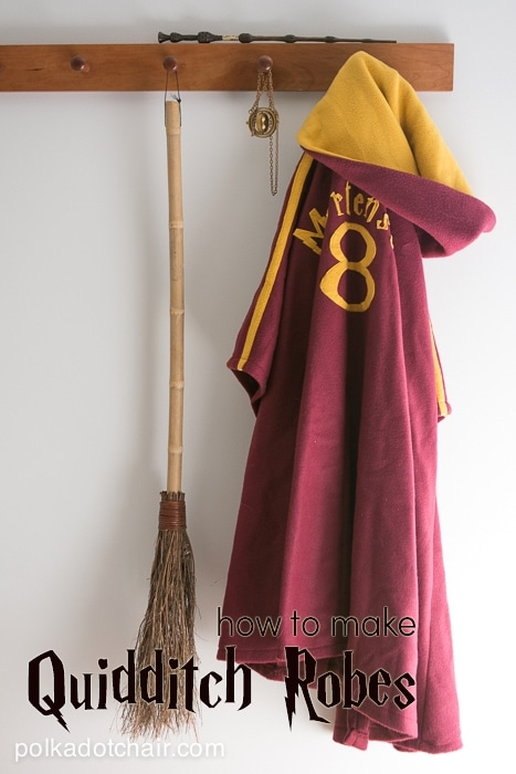 How to make your own Harry Potter Quidditch Robes on polkadotchair.com