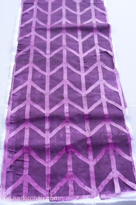 DIY Custom Printed Fabric Infinity Scarf Tutorial on polkadotchair.com