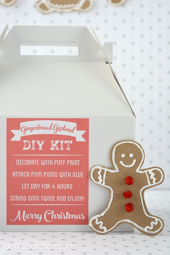 DIY Gingerbread Garland Christmas Craft Kit, a clever idea for a Christmas gift for friends! They can make it themselves