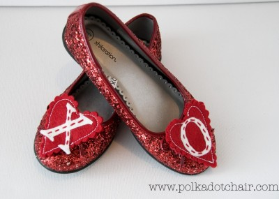 DIY Valentines Day Shoe Clips