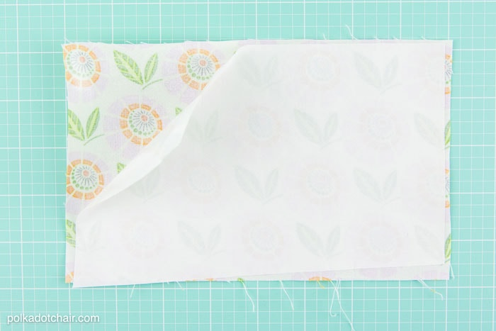 "Sewing Pattern for a ""Splash Proof"" zippered phone pouch. Totally making one of these for summer."