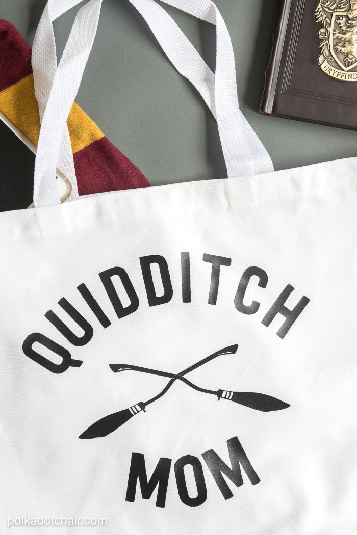 "DIY ""Quidditch Mom"" tote bag project. She has a free download for the iron-on on her site!"
