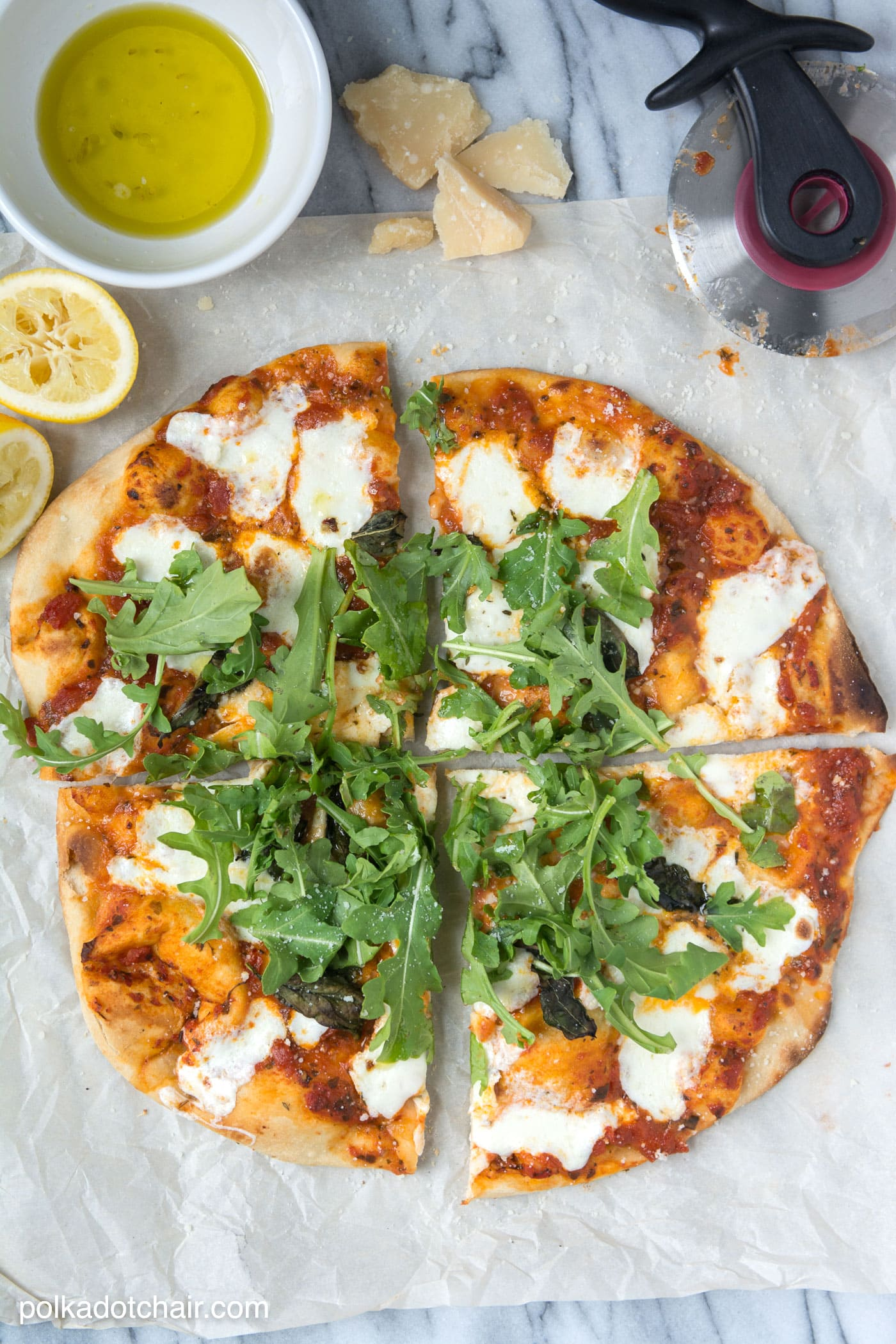Recipe for home made Margherita Pizza with Arugula and Lemon