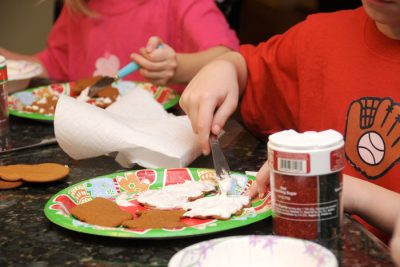 cookie-decorating-with-kids