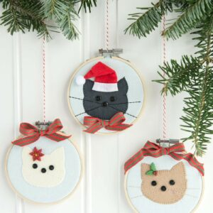 DIY Cat Embroidery Hoop Christmas Ornaments with instructions and free sewing pattern on polkadotchair.com