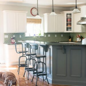 Before and After Photos of a Kitchen that had it's Cabinets Painted White- lots of great ideas for decorating a farmhouse style kitchen!