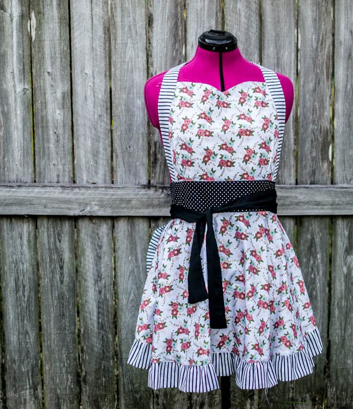 Apron Sewing Pattern and Tutorial by Sew Can She