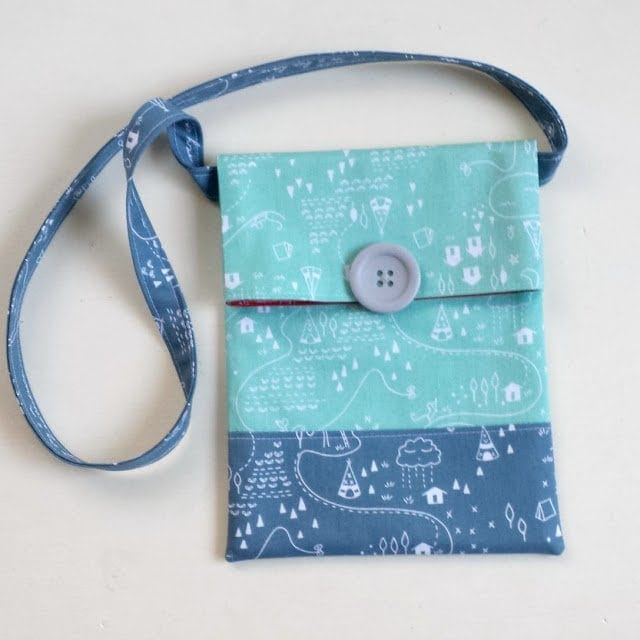 Summer Sling Bag Sewing Tutorial and Pattern by Ameroonie Designs