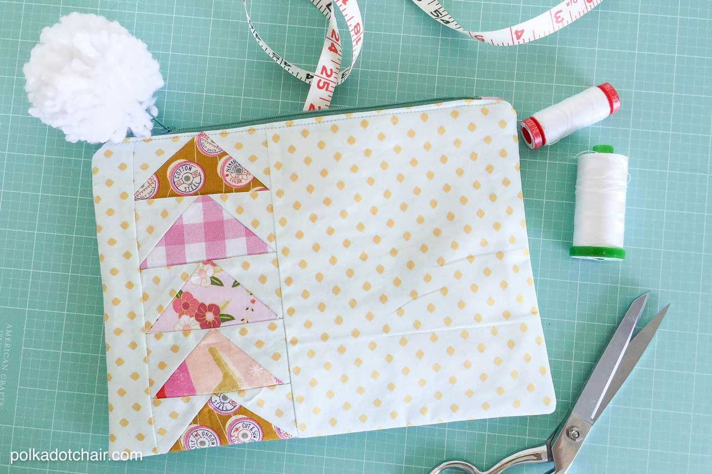 How to make a Flying Geese Zippered Pouch and a review of the Simple Simon Guide to Patchwork Quilting