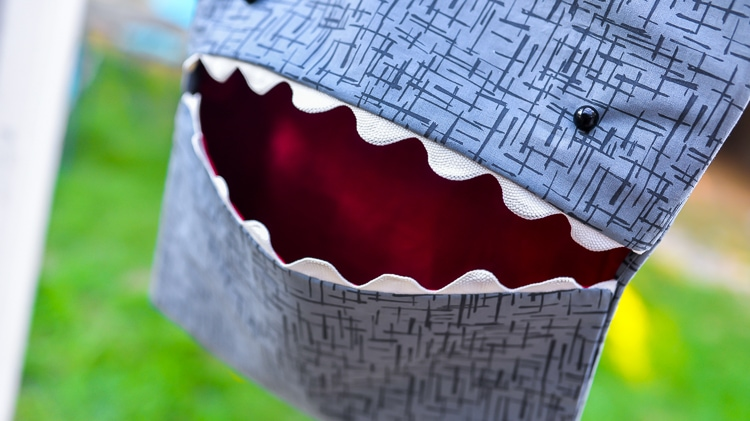 DIY Shark Clothespin Holder by Hey Let's Make Stuff - a free sewing pattern for a clothespin bag