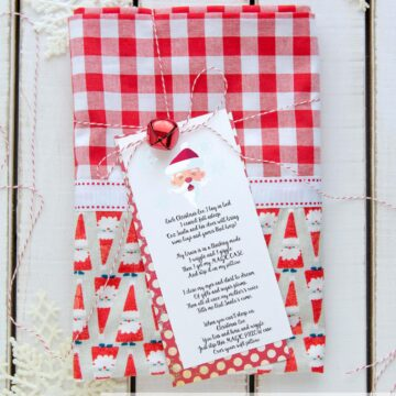 Free printable Christmas pillowcase poem - what a cute idea, a special pillowcase to use only on Christmas eve!